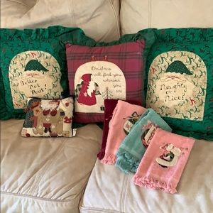 Christmas decorative throw pillows, hand towels
